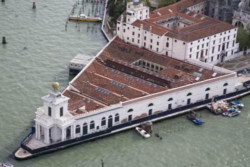 Arte e arti articolo punta della dogana for Tadao ando venezia